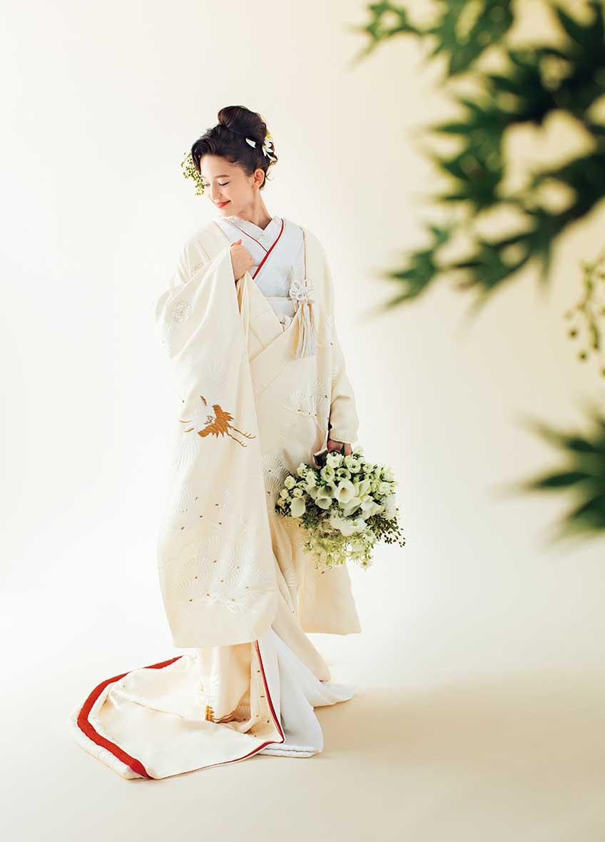白無垢 縮緬刺繍若松に鶴